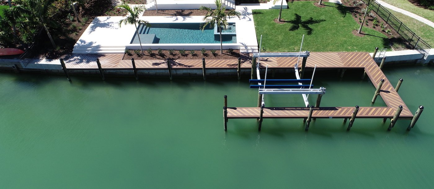 Dock with Boat lift in Sarasota on the bay